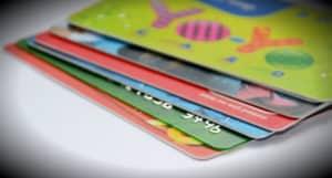 imagen corporativa con tarjetas plásticas