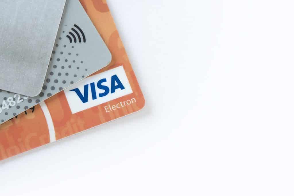 Características de impresora de tarjetas y credenciales
